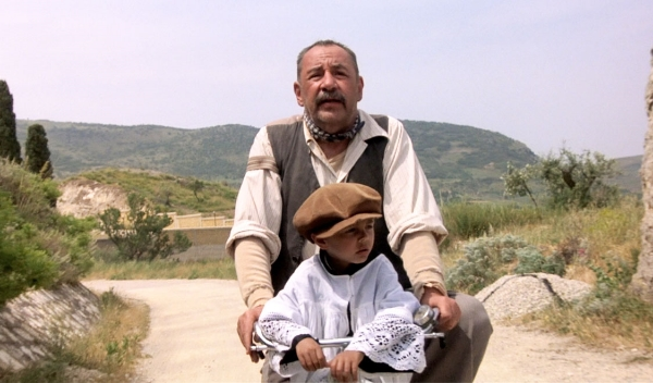 Lumira_cinema-paradiso-by-giuseppe-tornatore-bicycle-scene